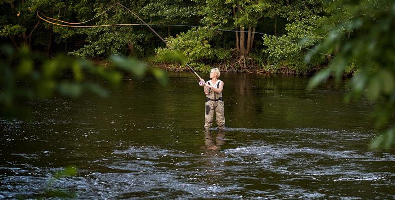 Mörrums kronolaxfiske satsar på fler kvinnliga laxfiskare