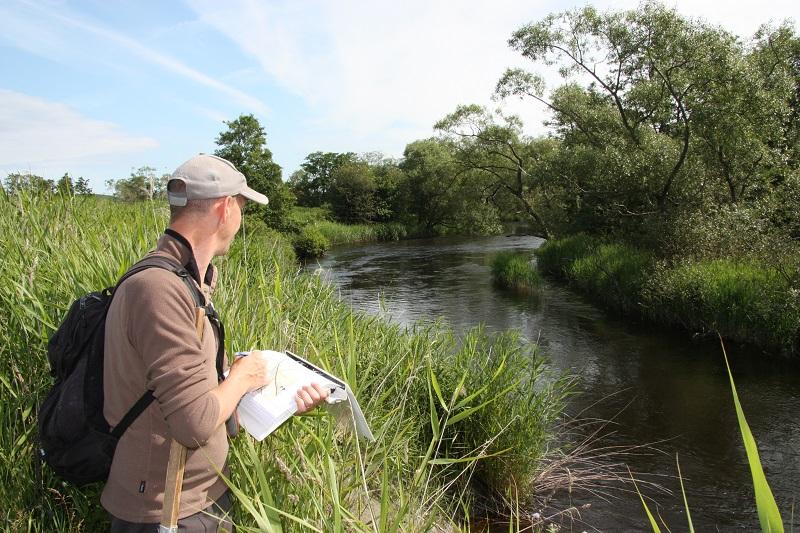 Brattorpsån i Göta älv har biotopkarterats för framtida fiskevårdsinsatser