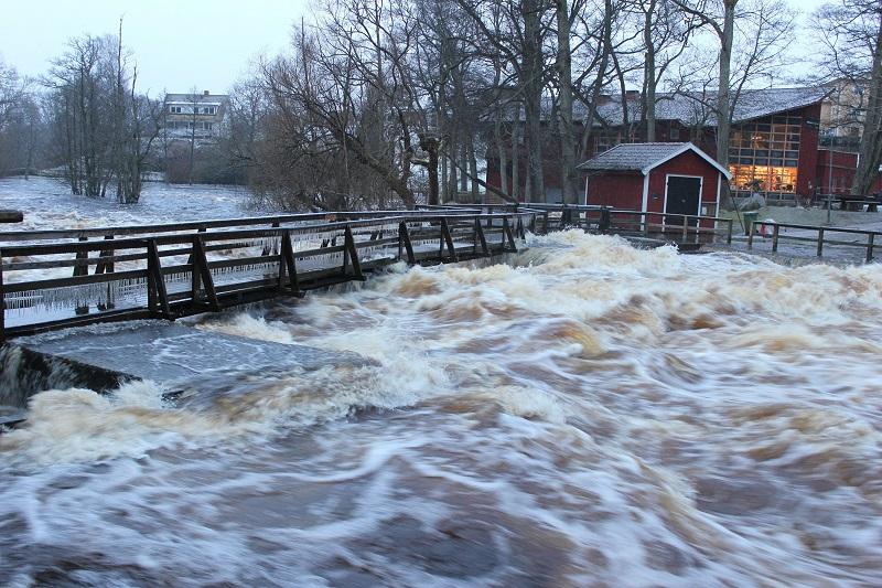 Höga vattenflöden har orsakat stor kalkåtgång