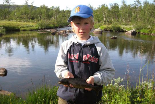 Framtidens Sportfiskare: Anton fiskade i Hotagsfjällen