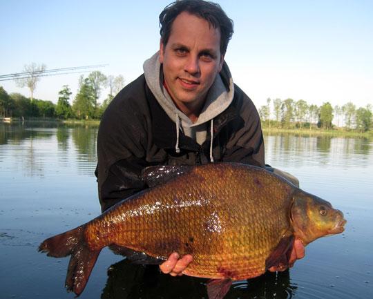 Två nya rekordfiskar: braxen och sarv